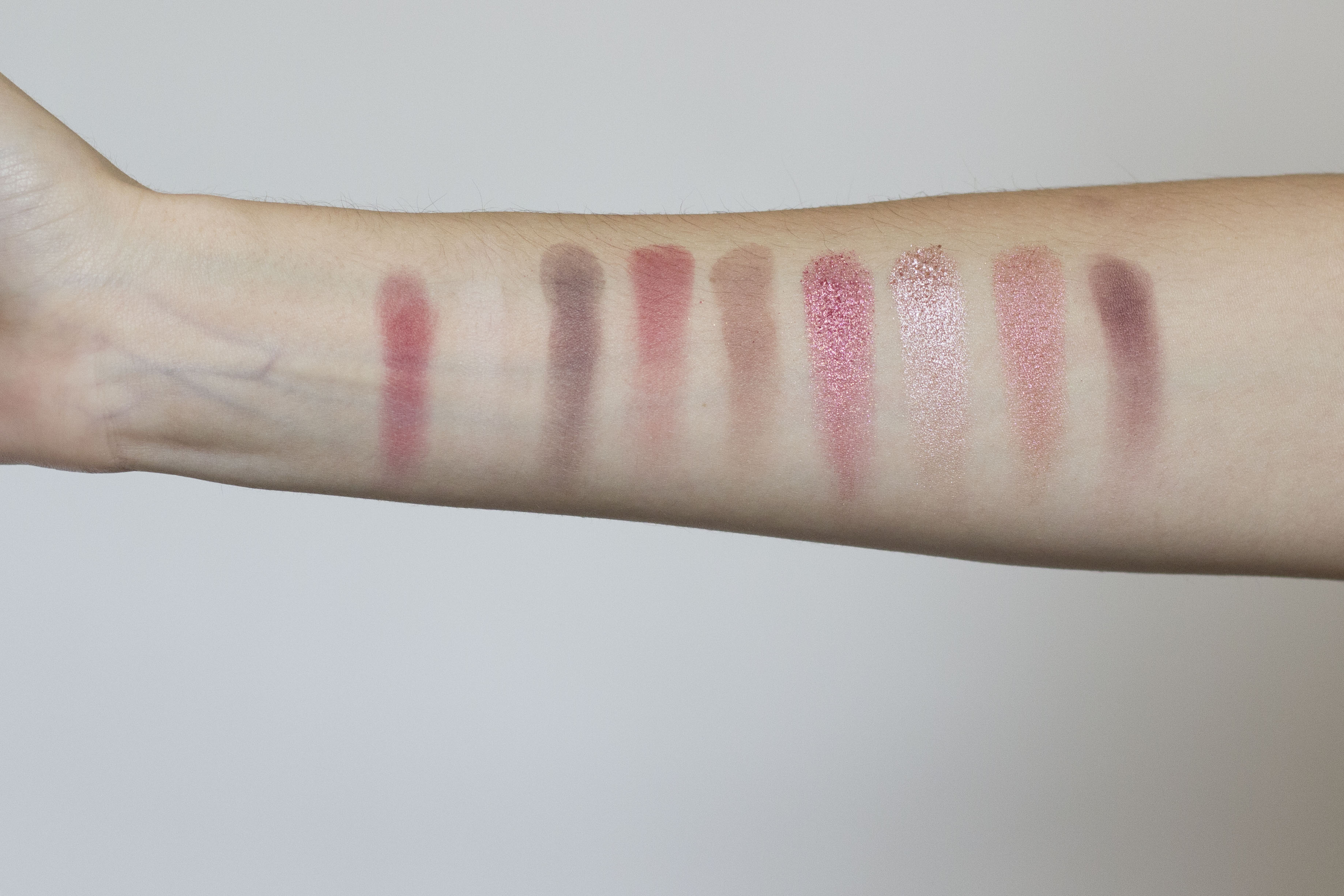 Huda Beauty Mauve Obessions Swatchs